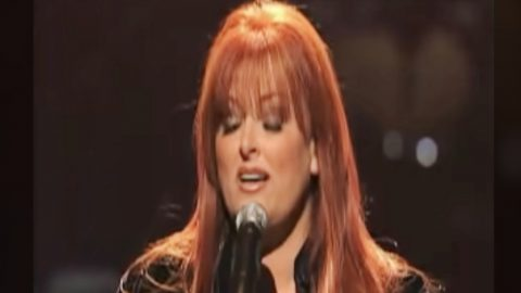 """Wynonna Judd Cries While Singing """"I Can Only Imagine,"""" A Song She Says """"Saved Her""""   Country Music Videos"""