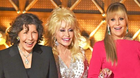 Dolly Parton And '9 to 5' Co-Stars Receive Standing Ovation At Emmy Awards Reunion | Country Music Videos