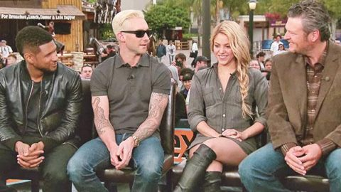 Blake Shelton Jokes About Adam Levine's Blonde Hair, and Usher Talks Kissing (WATCH) | Country Music Videos
