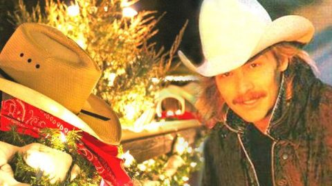 Alan Jackson – A Holly Jolly Christmas (VIDEO) | Country Music Videos