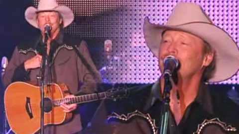 Alan Jackson – A Woman's Love | Country Music Videos