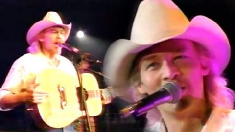 Alan Jackson – Better Class Of Losers (LIVE) | Country Music Videos