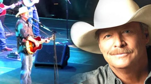 Alan Jackson – Drive (Live 2015 – 25th Anniversary Keepin' It Country Tour) (VIDEO) | Country Music Videos