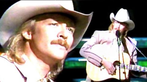 Alan Jackson – Home (Live) (VIDEO) | Country Music Videos