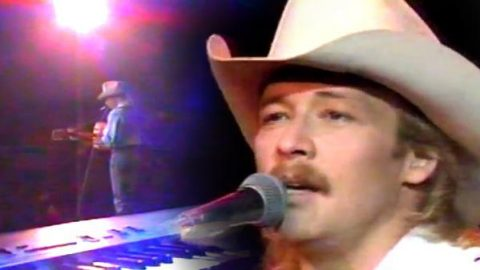 Alan Jackson – I'd Love You All Over Again (LIVE) (VIDEO) | Country Music Videos