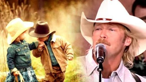 Alan Jackson – Little Bitty (Live at Farm Aid 2000) | Country Music Videos