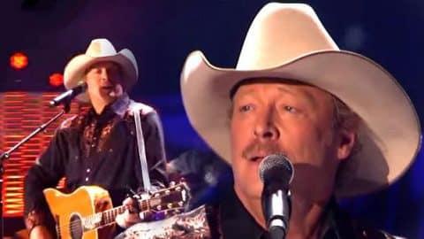 Alan Jackson – Medley Of Hits (ACA 2010) (VIDEO) | Country Music Videos