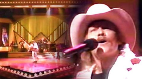 Alan Jackson – She's Got The Rhythm (And I Got The Blues) (VIDEO) | Country Music Videos