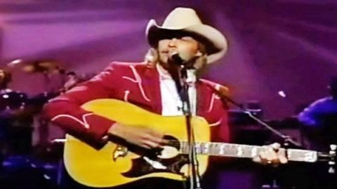 Alan Jackson – Wanted (Live) (VIDEO) | Country Music Videos
