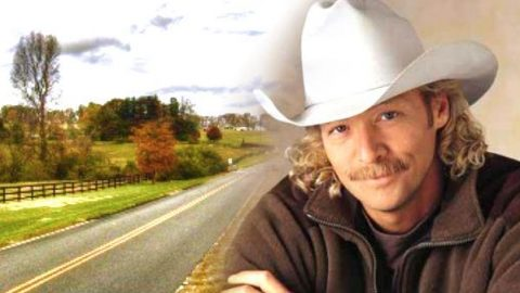 Alan Jackson – When Love Comes Around | Country Music Videos