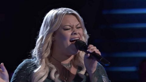 Soulful Country Singer Drops Jaws With 'You Are My Sunshine' Blind Audition Performance | Country Music Videos
