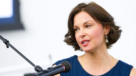 'I Was Sexually Harassed' Ashley Judd Opens Up About Past Hardships   Country Music Videos