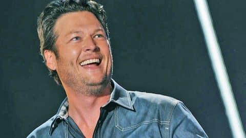 Blake Shelton Slams RIDICULOUS Tabloid Headlines | Country Music Videos