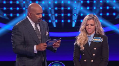 The Band Perry Accomplishes A Rare Feat On Family Feud | Country Music Videos