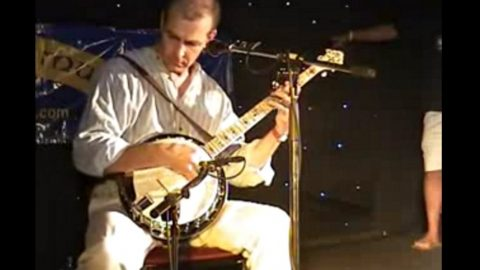 World's Fastest Banjo Player Will Leave Your Head Spinning | Country Music Videos