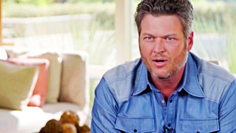 Blake Shelton Opens Up About How He Fell In Love With Gwen | Country Music Videos
