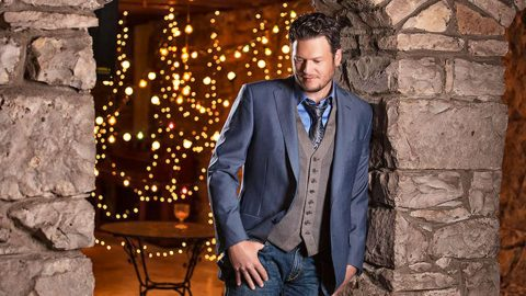 Blake Shelton Is Spreading Holiday Cheer To Help Children Across The Country | Country Music Videos