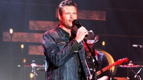 Blake Shelton Responds To Fan Who Asked For Help Following Motorcycle Accident | Country Music Videos