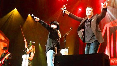 Blake Shelton Shocks Opry When He Crashes Trace Adkins' Show | Country Music Videos
