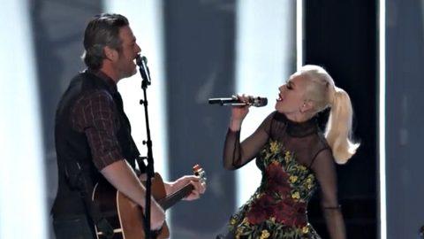 Blake Shelton & Gwen Stefani Perform Romantic New Christmas Duet | Country Music Videos