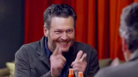 Blake Shelton Plays Dress Up At Kids' Choice Awards | Country Music Videos