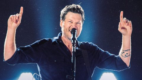 Blake Shelton Gives Away $600,000 Following Oklahoma Concerts | Country Music Videos