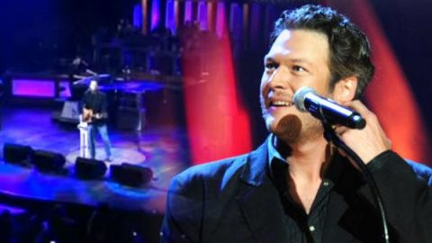 Blake Shelton – Who Are You When I'm Not Looking (Live at the Grand Ole Opry) (VIDEO) | Country Music Videos