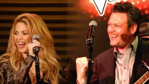 Blake Shelton and Shakira – Medicine (Live)   Country Music Videos