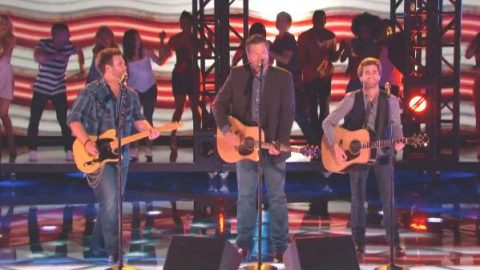 Blake Shelton and The Swon Brothers – Celebrity (The Voice Live) (VIDEO) | Country Music Videos