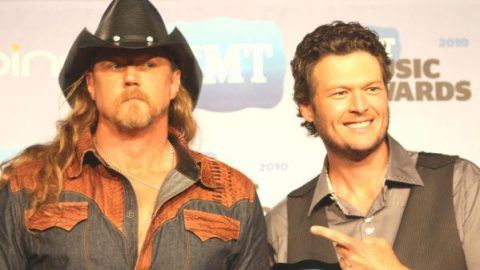 Blake Shelton and Trace Adkins Backstage at CMT Awards (VIDEO) | Country Music Videos
