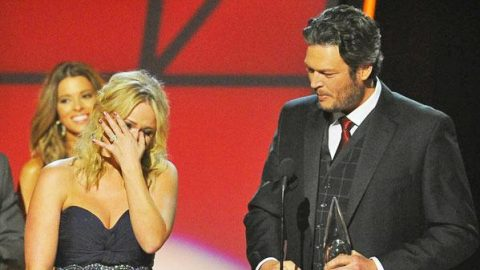 Emotional Moment With Miranda Lambert and Blake Shelton (Tear-Jerker!) (VIDEO)   Country Music Videos