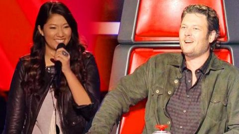 "Blake Shelton Being Cute On ""The Voice"" (VIDEO) 