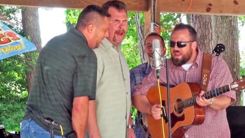 Soulful Bluegrass Band's Rendition Of 'How Great Thou Art' Will Leave You Speechless | Country Music Videos