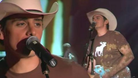 Brad Paisley – Mud On The Tires | Country Music Videos