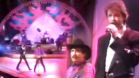 Brooks & Dunn – Boots Scootin' Boogie (LIVE) | Country Music Videos