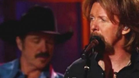 Brooks and Dunn – Neon Moon (Live) | Country Music Videos