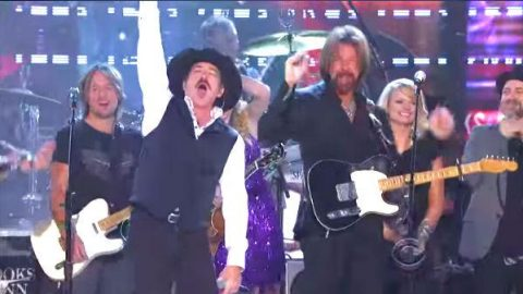 Brooks and Dunn – Play Something Country (Live) | Country Music Videos