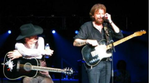 Brooks and Dunn – That's What She Gets For Loving Me (LIVE) | Country Music Videos