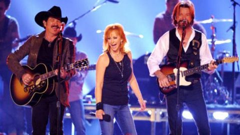 Brooks and Dunn with Reba McEntire – Put A Girl In It | Country Music Videos
