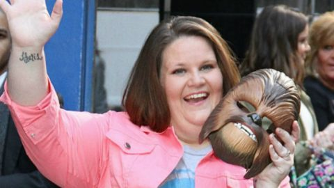 Chewbacca Mom Goes Viral Again After Stunning Vocal Tribute To Fallen Dallas Police Officers   Country Music Videos