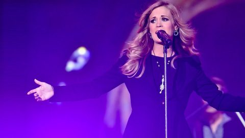 Carrie Underwood Rocks Out 90s Style With Incredible 'I'll Stand By You' Cover | Country Music Videos