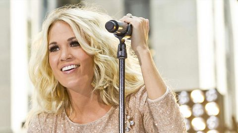 Carrie Underwood Reveals Beautiful Valentine's Day Gift From Husband | Country Music Videos