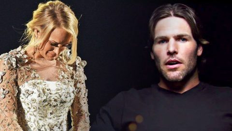 Mike Fisher Makes Powerful Statement After Carrie Underwood's Tearful CMA Performance | Country Music Videos
