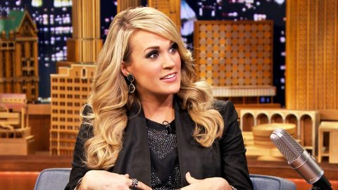 Carrie Underwood Shares Hilarious Photo Of Latest 'Mom Problem' | Country Music Videos