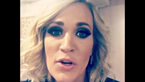 After Breaking Wrist, Carrie Underwood Has A Message For Fans   Country Music Videos