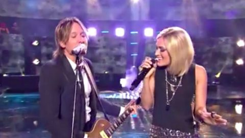 Keith Urban & Carrie Underwood Team Up For Duet During 'Idol' Finale   Country Music Videos