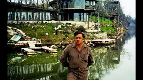 Charred Remains Of Johnny Cash's Home Now For Sale | Country Music Videos