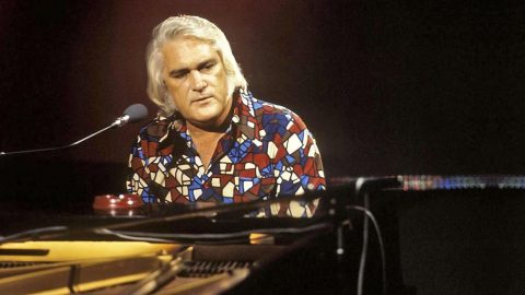 FLASHBACK: Charlie Rich Takes Country Music By Storm | Country Music Videos