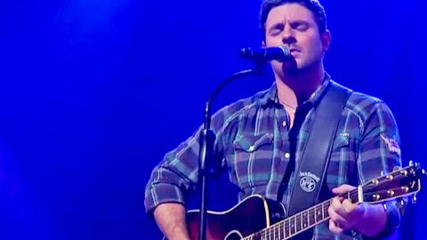 Chris Young Honors Country Legend Every Time He Plays The Guitar | Country Music Videos