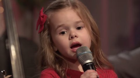 5-Year Old Internet Star Lends Angelic Voice To 'Let There Be Peace On Earth' | Country Music Videos